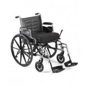 fauteuil roulant bariatrique chaise roulante robuste et large. Black Bedroom Furniture Sets. Home Design Ideas